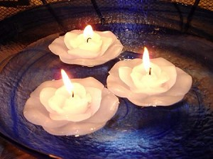 Set of 12 White Flower Floating Flower Candles